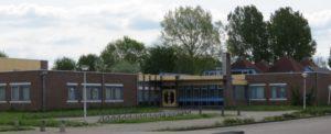 De cursus realistisch schilderen in Sneek vindt plaats in wijkcentrum De Spil. Gratis parkeren.